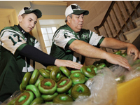 Free Green Bagels for Jets Fans in Brooklyn at the Bagels by Bell Factory